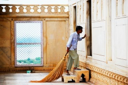 Agra Fort Cleaning Crew